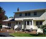 HAMPTON BAYS - RED CREEK 4 BED WITH POOL ON SPACIOUS PROPERTY