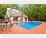 SECLUDED SOUTHAMPTON NEAR PECONIC BAY - WITH POOL